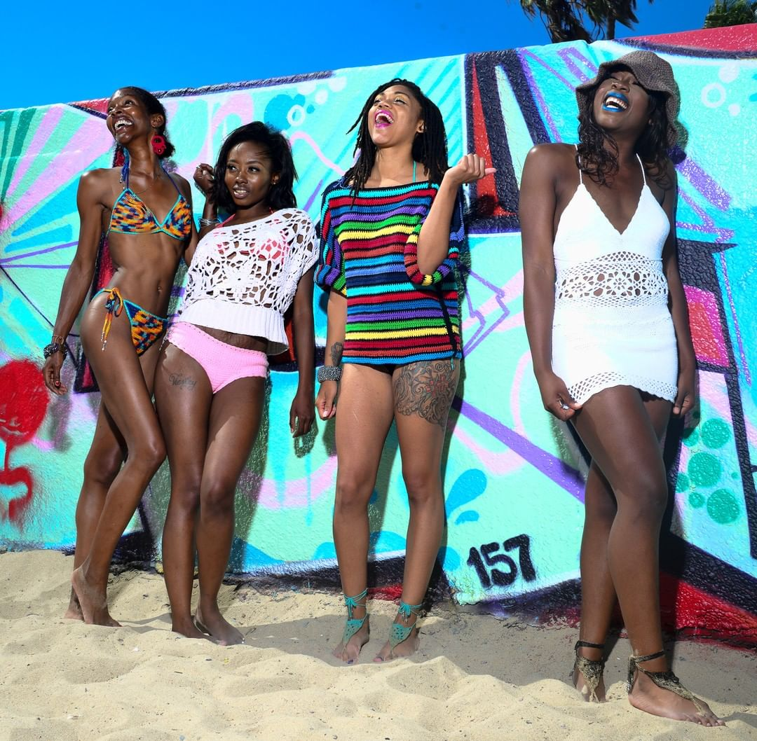 Beach life. @pinkjoycrochets at Venice Beach.  Models: @naturalseduction_, @emmanuellah_, @chanelle.serving.looks, @veggiecrat  Photography: @tdvisualarts
